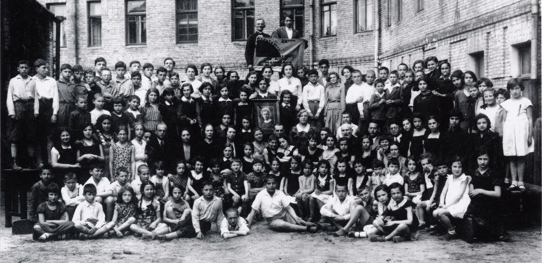 Photograph of Beba's class