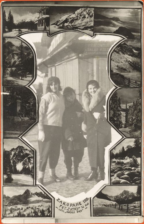 Photograph of three friends with souvenir frame