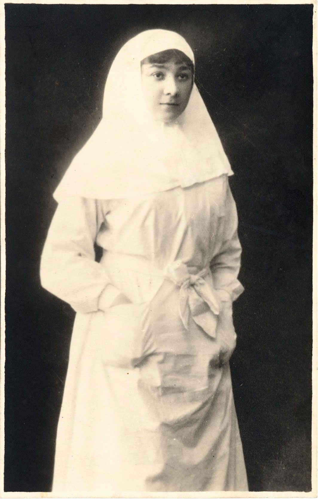 Photograph of a Jewish nurse in the Tsarist army