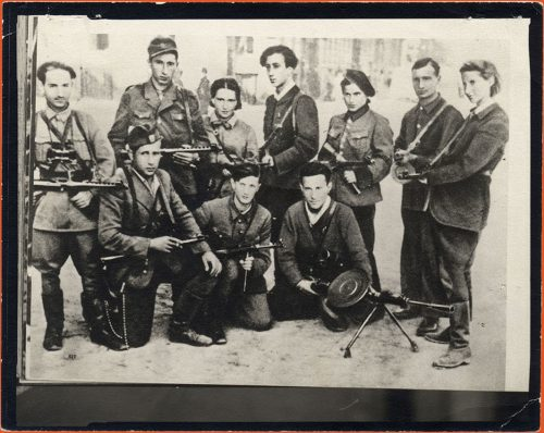 Group photograph of Jewish partisans